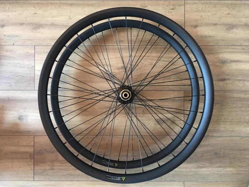 Roue Carbone 27,5 + Boost
